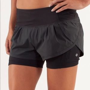 Lululemon Black Speed Squad Shorts in Size 4